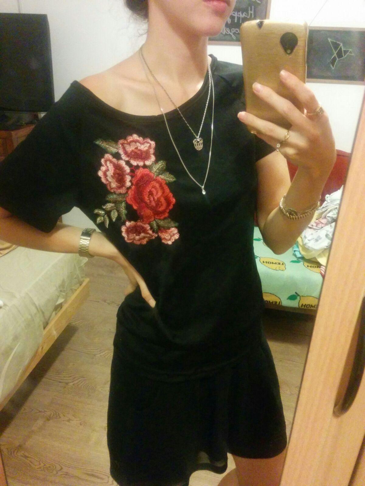חולצה עם רקמת בוהו שיק רומנטית